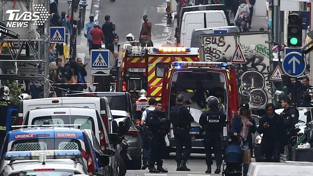 圖/達志影像美聯社 巴黎炸彈客挾持人質 與警對峙後落網