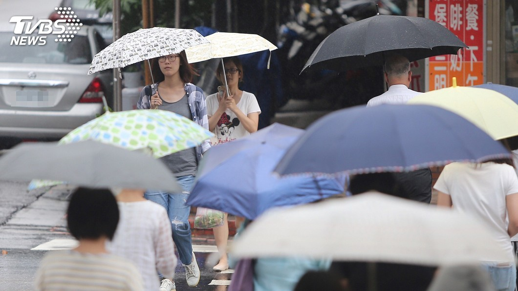 圖/中央社 大雨將來襲 賴揆指示注意端午連假交通衝擊
