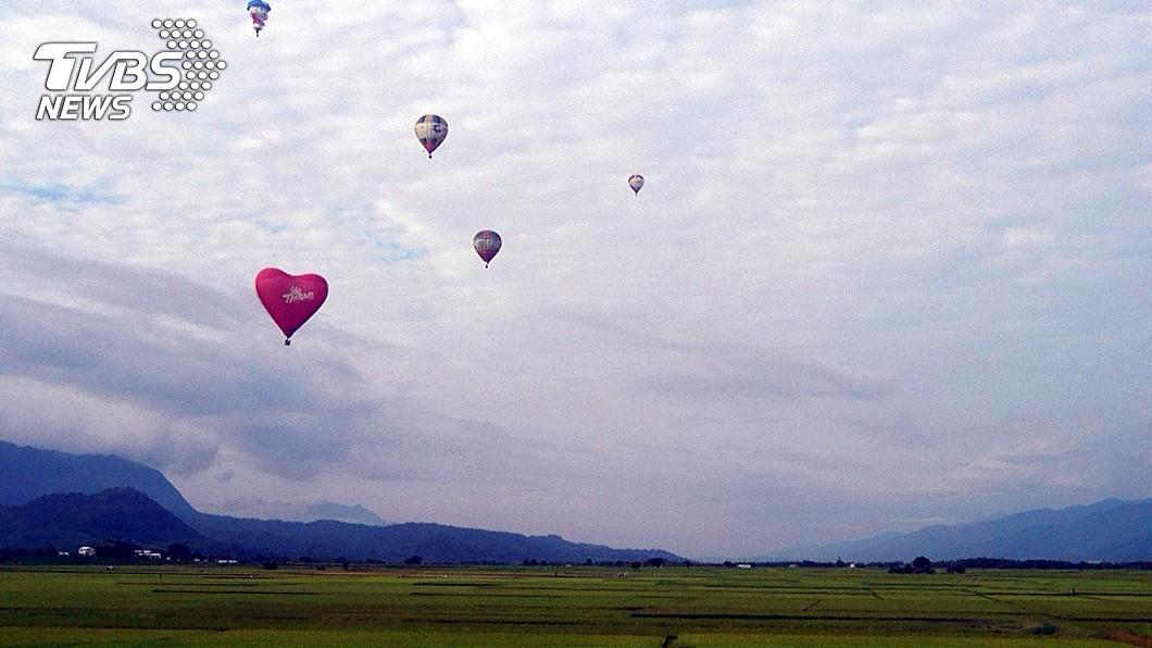 圖/中央社 台東熱氣球將登場 前3天乘坐送紅藜米乖乖