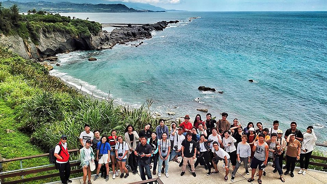 圖/世新大學提供 世新師生環島上新聞攝影課 反思環境議題