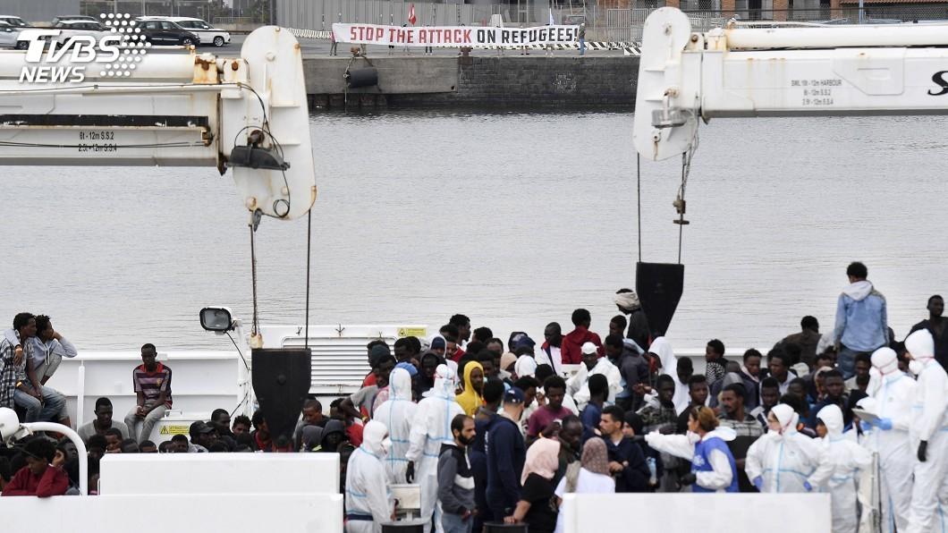 圖/達志影像美聯社 拒移民救援船遭法批 義延後雙方官員會談