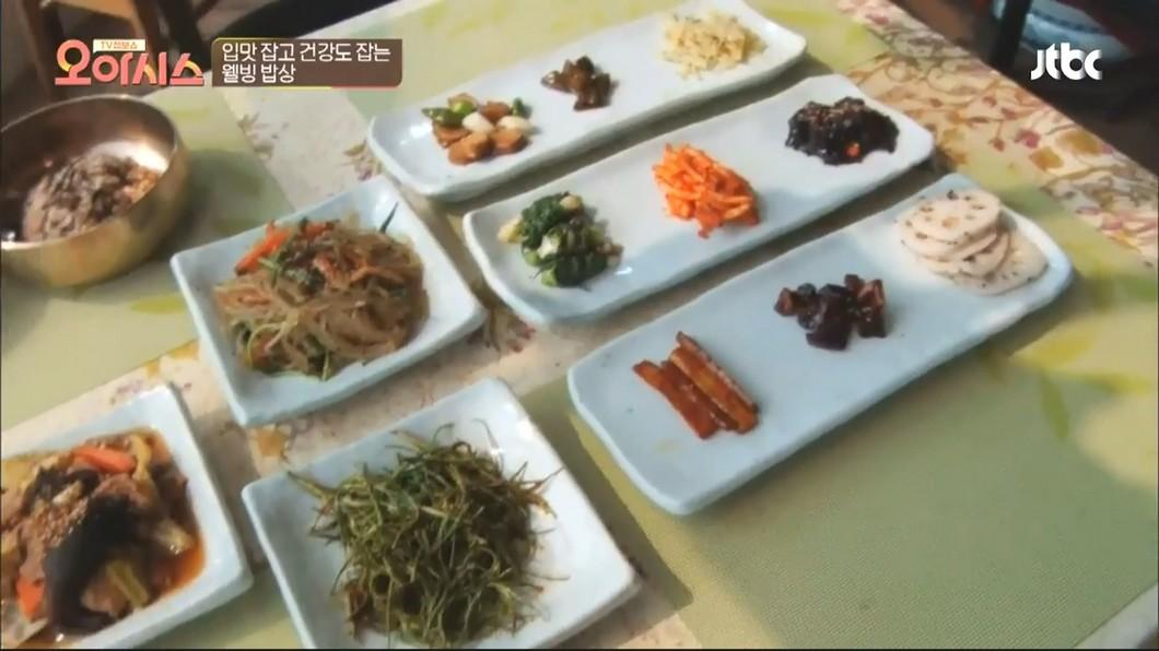 圖/翻攝自JTBC Entertainment YouTube 吃素菜配傳統舞 南韓素食餐館華麗變身