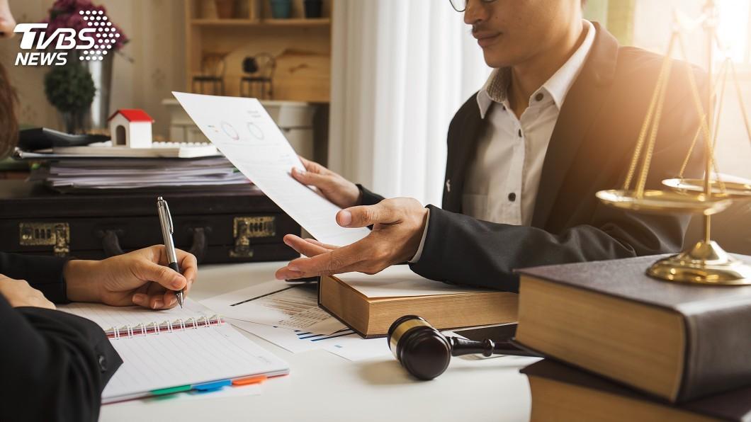 美國新手律師年薪500萬起跳。圖/TVBS 台流浪律師多 這地方菜鳥律師卻年薪500萬