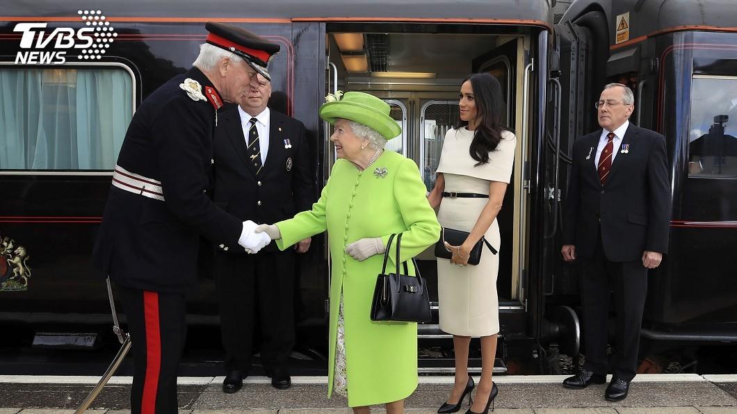 圖/達志影像美聯社 新媳婦梅根 首次與女王共同出席活動