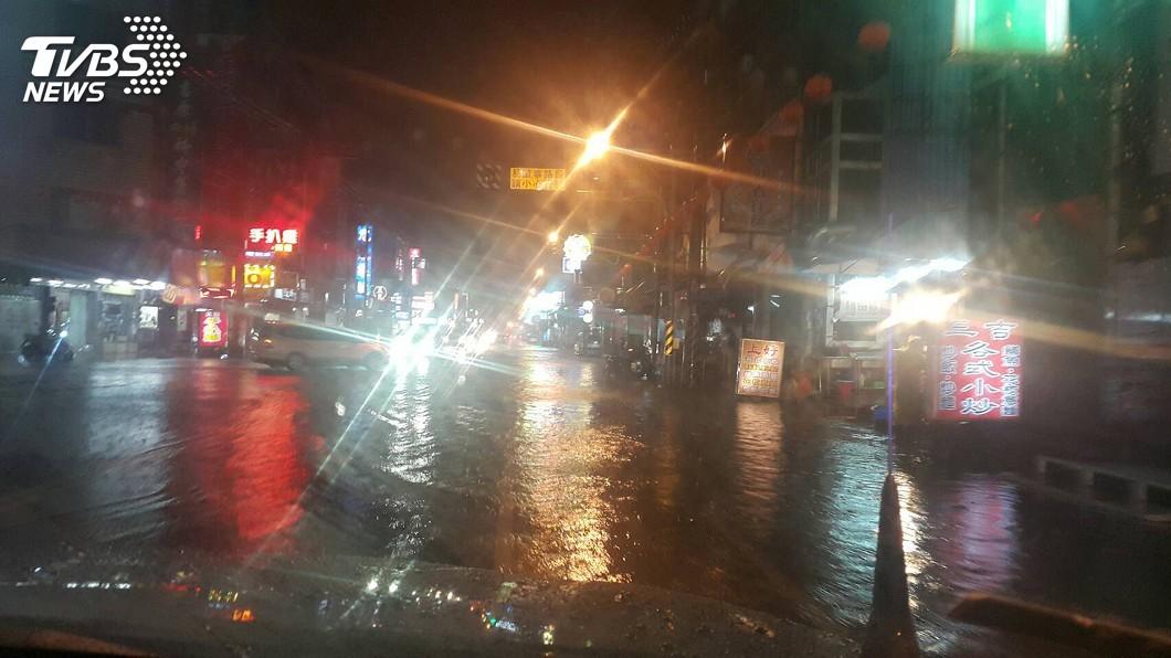 圖/中央社 台南強降雨 半數行政區累積破百毫米
