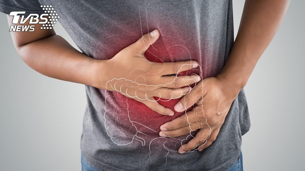 大腸癌年輕化與國人飲食習慣有關。示意圖/TVBS 年輕惡化更快!24歲腹痛竟是癌 醫:「這種便」要當心