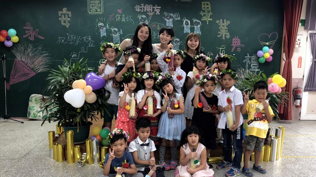 圖/賴筱琪提供 封存6年回憶 國小畢業生自釀酒