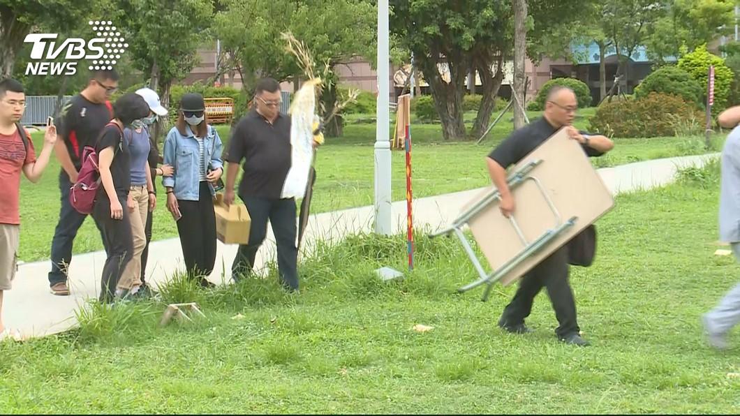 家屬20日前往命案現場招魂。圖/TVBS