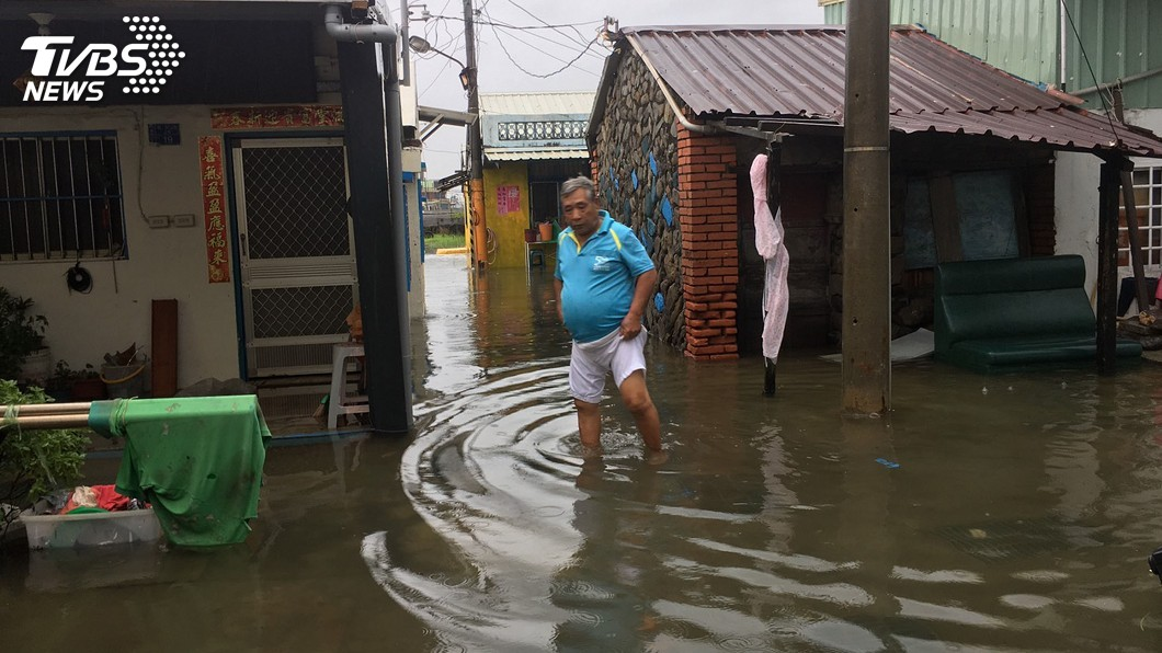 圖/中央社 豪雨釀淹水災情 疾管署傳授消毒2法寶