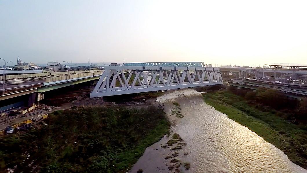 圖/台中市政府提供 中捷筏子溪鋼桁架橋 國內軌道最長單跨橋梁