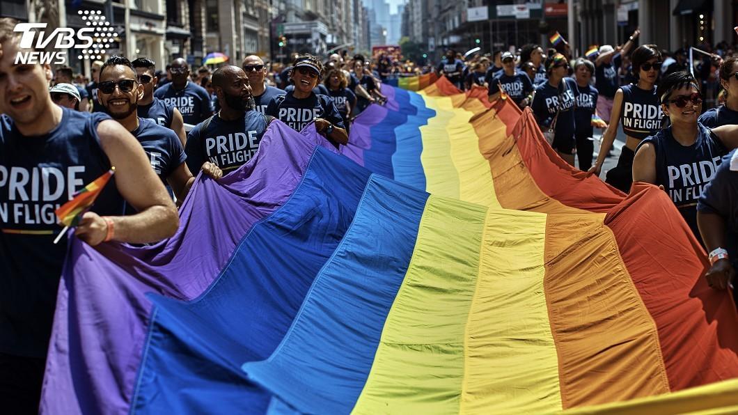 圖/達志影像美聯社 紐約「同志驕傲」大遊行 反川普意味濃