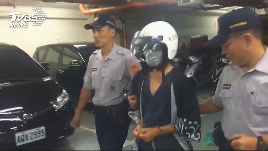 檢警只在陳嫌家中找到死者的單邊乳房,他供稱另一邊被他丟掉了。(圖/TVBS) 檢警只找到「單邊乳房」 陳嫌:另一邊我丟了