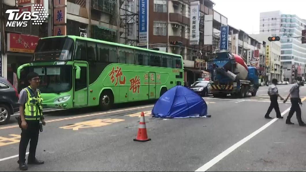 圖/TVBS 半工讀養家…孝女遭水泥車輾斃 母親見遺體淚崩