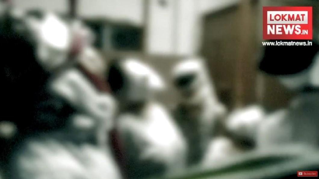 圖/翻攝自Lokmat News - Hindi YouTube 誤信「末日信仰」? 印度一家11人集體死亡