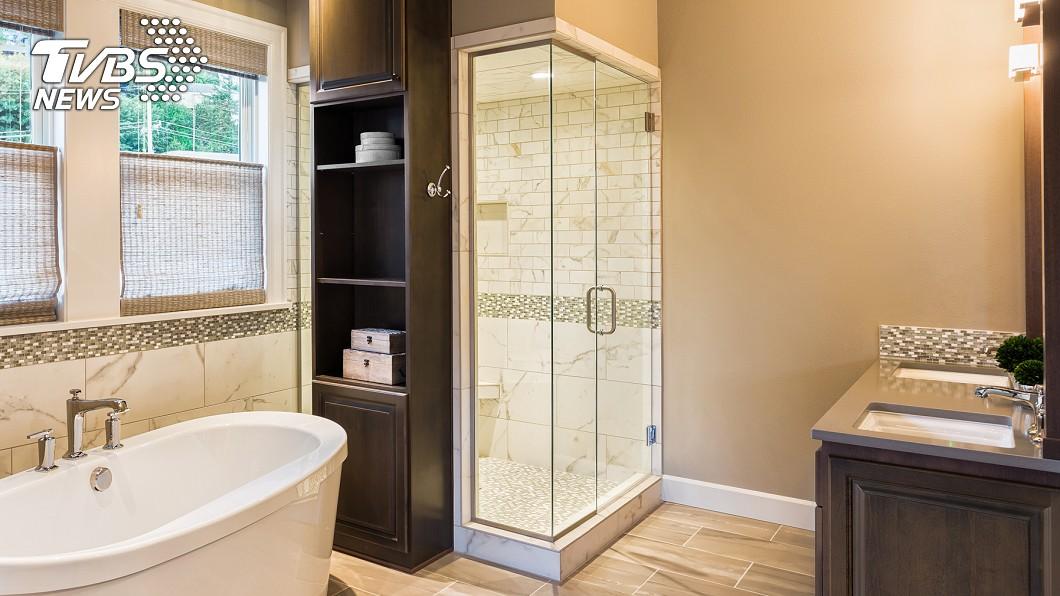 示意圖/TVBS 夫婦重新裝潢新家 浴室牆內驚見23年「前屋主留言」