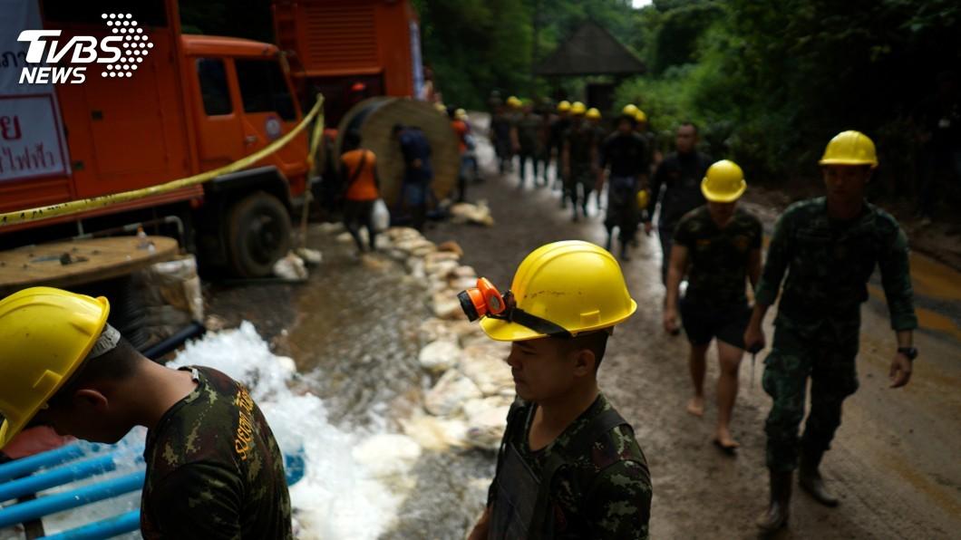 圖/達志影像路透社 泰前海豹隊員犧牲 救援困洞師生首遇挫