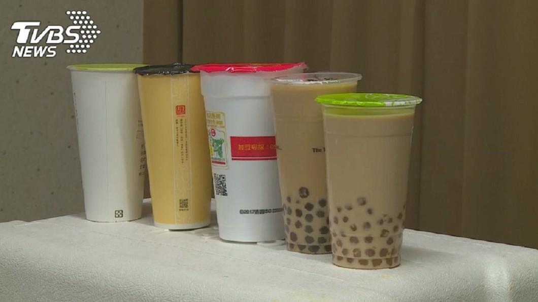 示意圖/TVBS 男大生手搖杯當水喝 輸尿管結石引發腎水腫