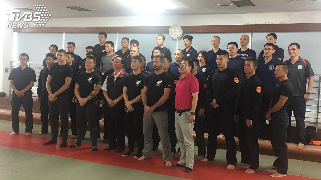 圖/中央社 美國武術官來台交流 北市警精進戰鬥技能