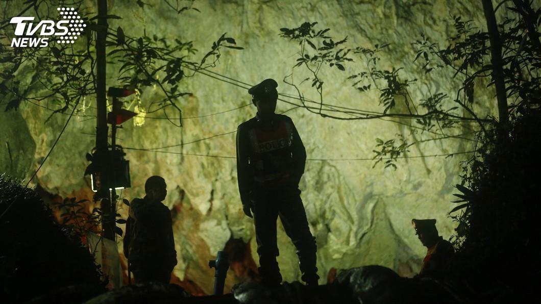 圖/達志影像美聯社 泰北洞穴仍有9人受困 第2天救援行動展開
