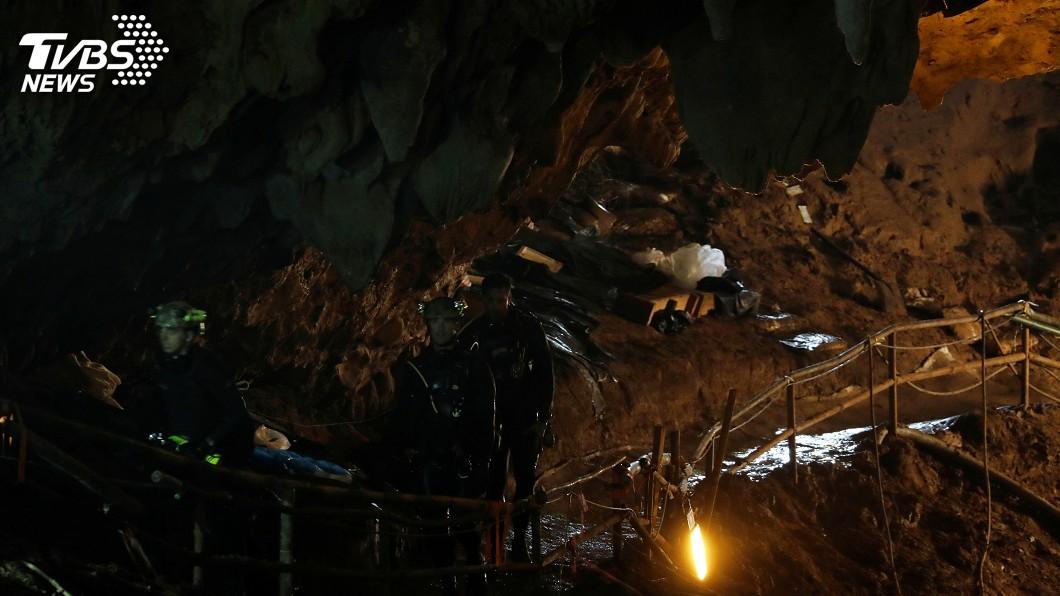 圖/達志影像路透社 泰北洞穴救援近18天 13人獲救大事紀