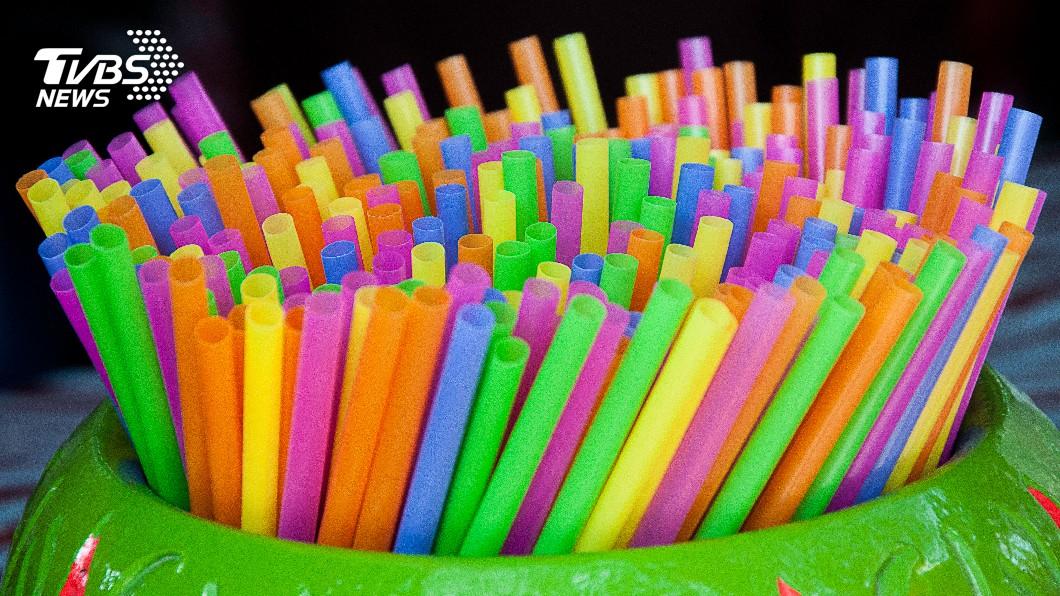 示意圖/TVBS 內用餐飲將禁用塑膠吸管 中市:自備有優惠