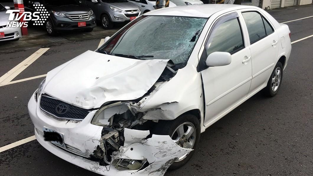圖/中央社 刮地痕達90米…酒駕男高速衝撞 機車騎士遭拋飛慘死