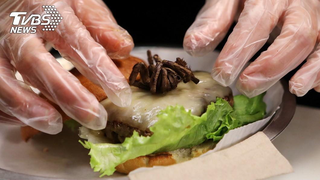 美國北卡羅萊納州的餐廳,推出「狼蛛漢堡」。圖/達志影像路透社