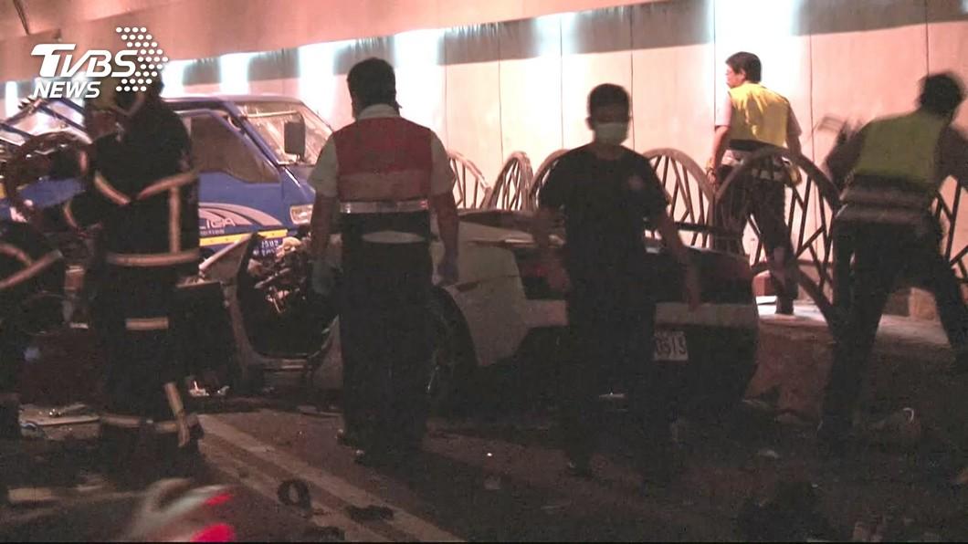 游瀚甯在自強隧道飆速,釀成2死3傷的悲劇,坐在副駕駛座的女友也不幸身亡。(圖/TVBS)