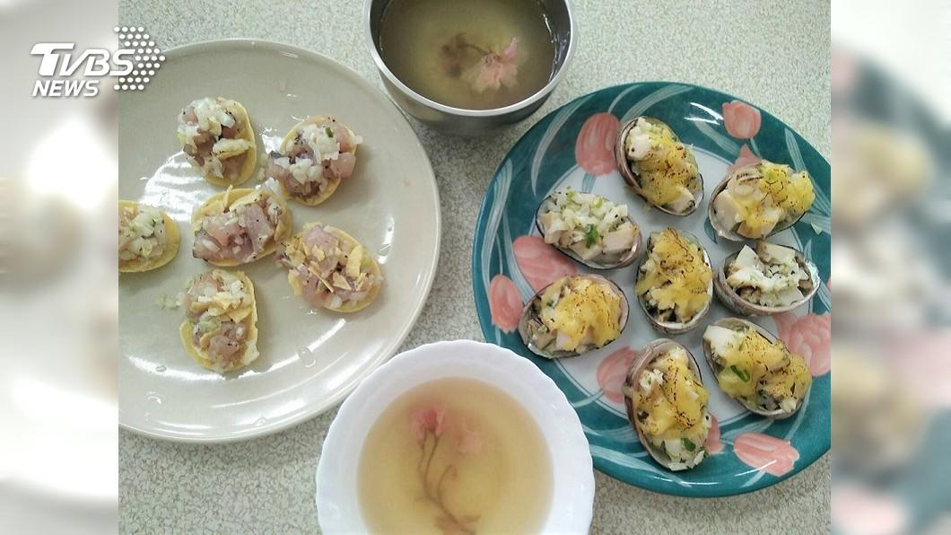 圖說:學員們生平第一次料理海鮮