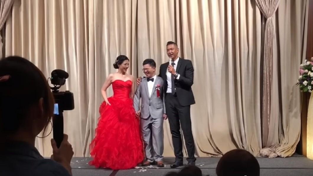圖/翻攝自黑人陳建州臉書 「我妹也不是省油的燈…」 黑人4分鐘婚禮致詞笑翻全場