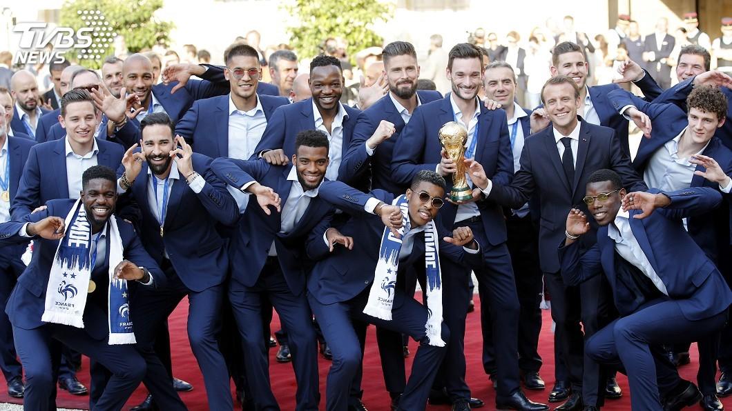 圖/達志影像美聯社 (世足賽) 法國捧回世足賽金盃 助長馬克宏聲勢