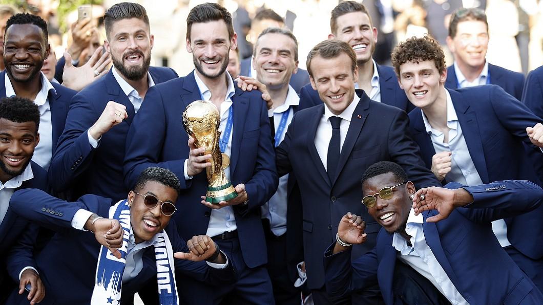 圖/達志影像美聯社(世足賽) 大力金盃回家! 球迷擠爆巴黎歡迎國家隊