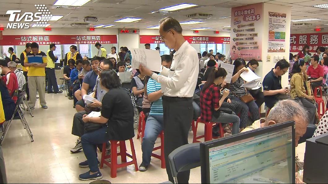 圖/TVBS 5月報稅季將至 2管道取得勞保繳費證明