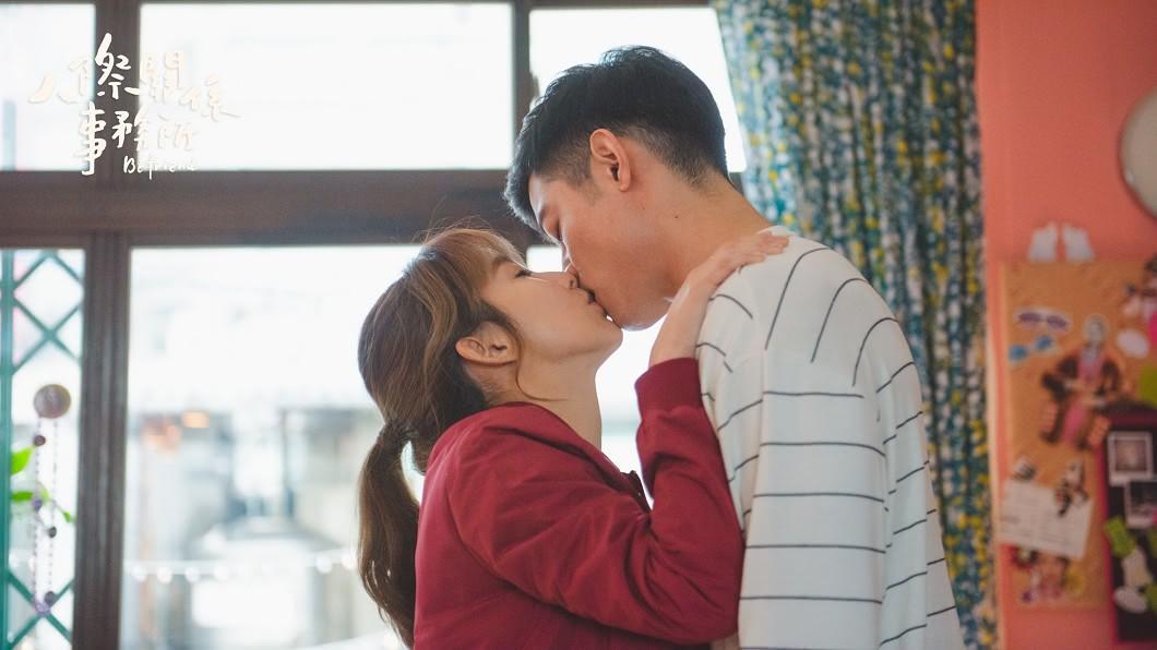 圖/歐銻銻娛樂提供 瑤瑤「強撲激吻」王柏傑 下秒起生理反應當場糗翻