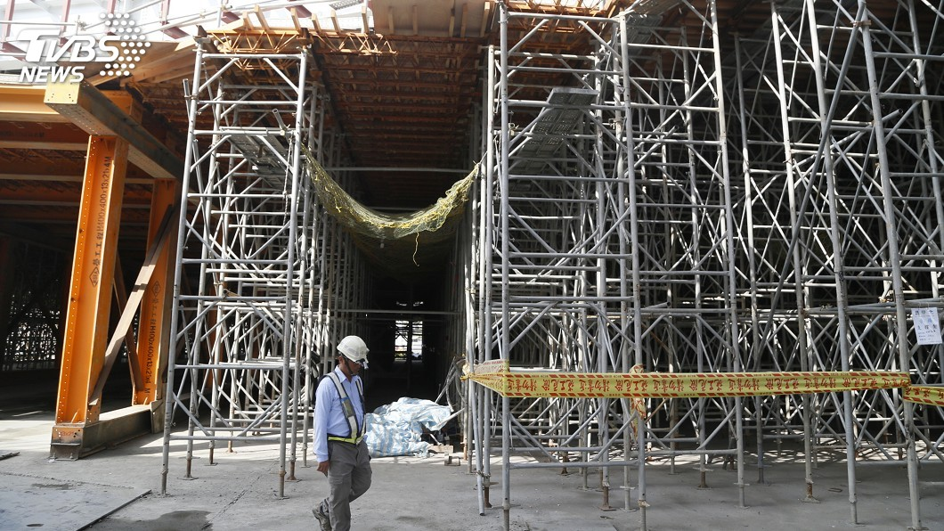 示意圖/中央社 明年1月新制上路 鷹架未符國家標準最高可罰30萬