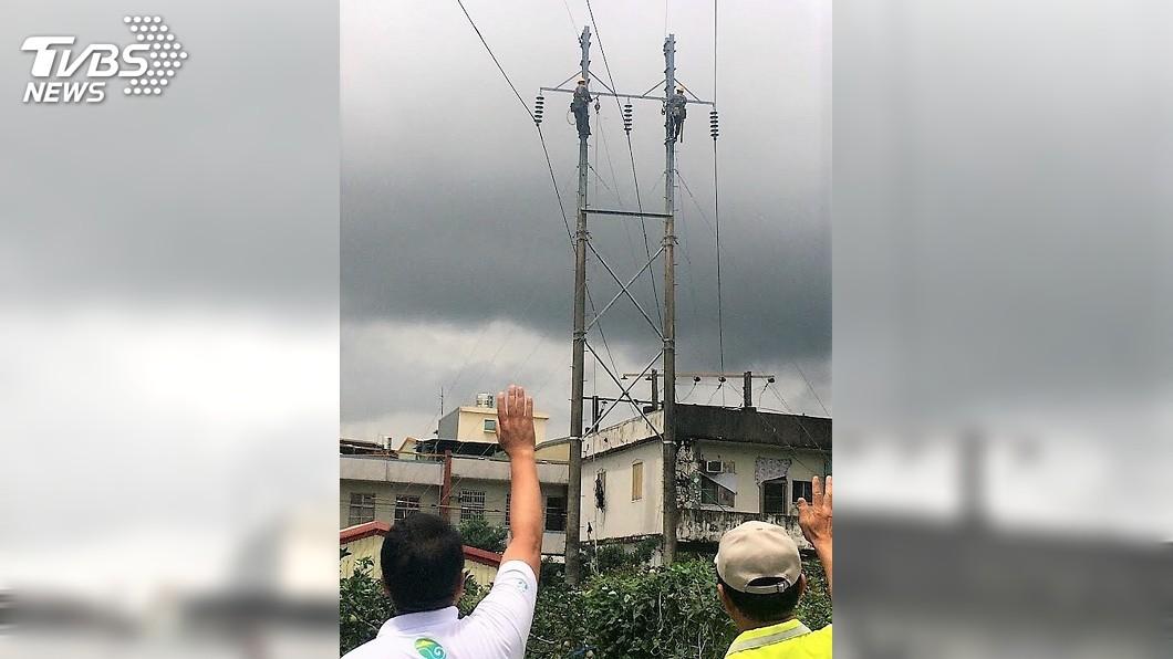 圖/中央社 台化龍潭廠高壓電塔拆除 天際線將更簡潔