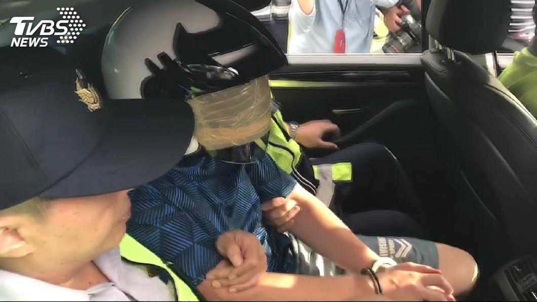警方將莊男逮捕。圖/TVBS