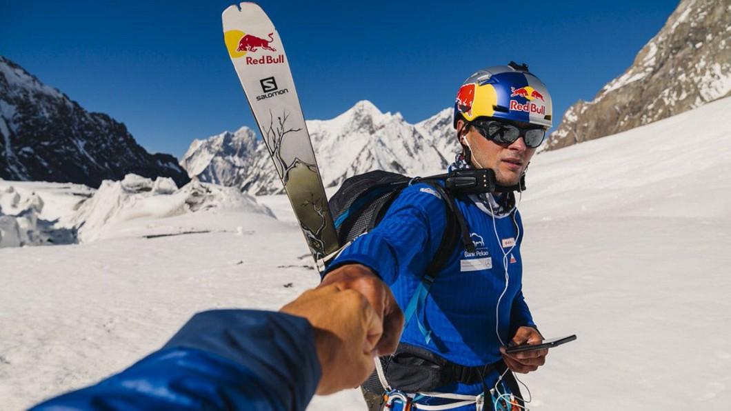 圖/翻攝自Andrzej Bargiel推特 全球第一人! 波蘭極限玩家從第2高峰滑雪而下