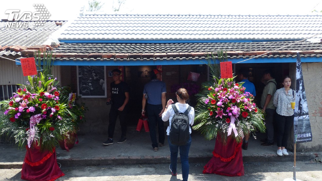 圖/中央社 三合院變身影像館 看照片認識台西村與六輕