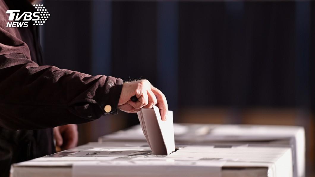 示意圖/TVBS 2020藍綠誰能過半? 大數據看10立委關鍵游移選區