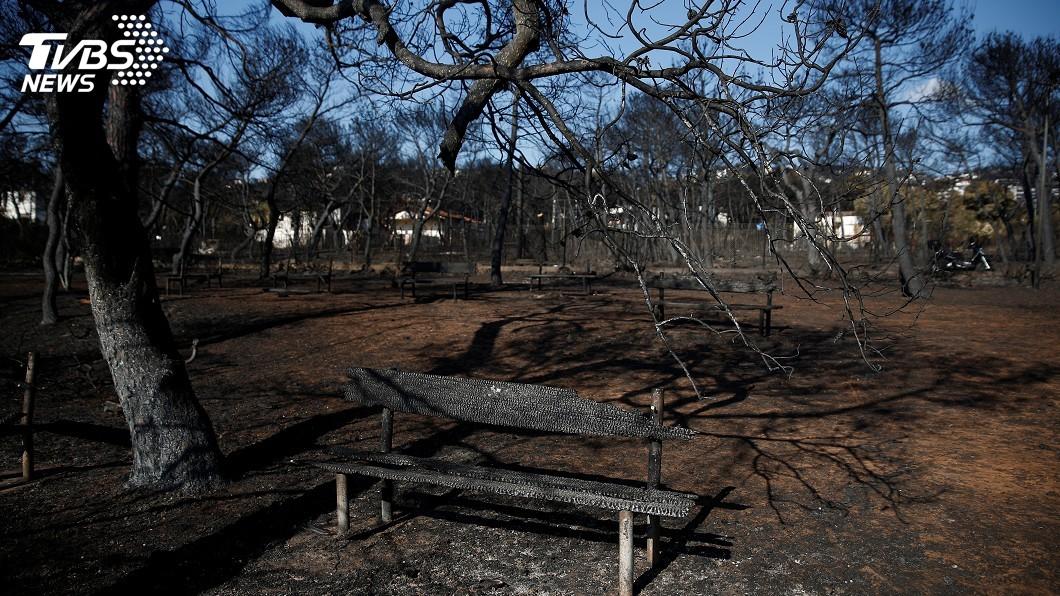 圖/達志影像路透社 希臘野火增至91死 民眾悼念罹難親人