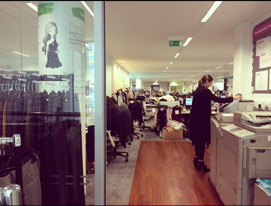 New Look倫敦總公司會議室開會,等待期間拍攝辦公室的場景