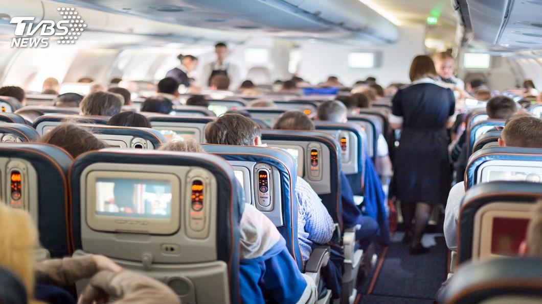 示意圖/TVBS 花5萬買機票!全家被要求「坐地板」 她旅行全毀氣炸