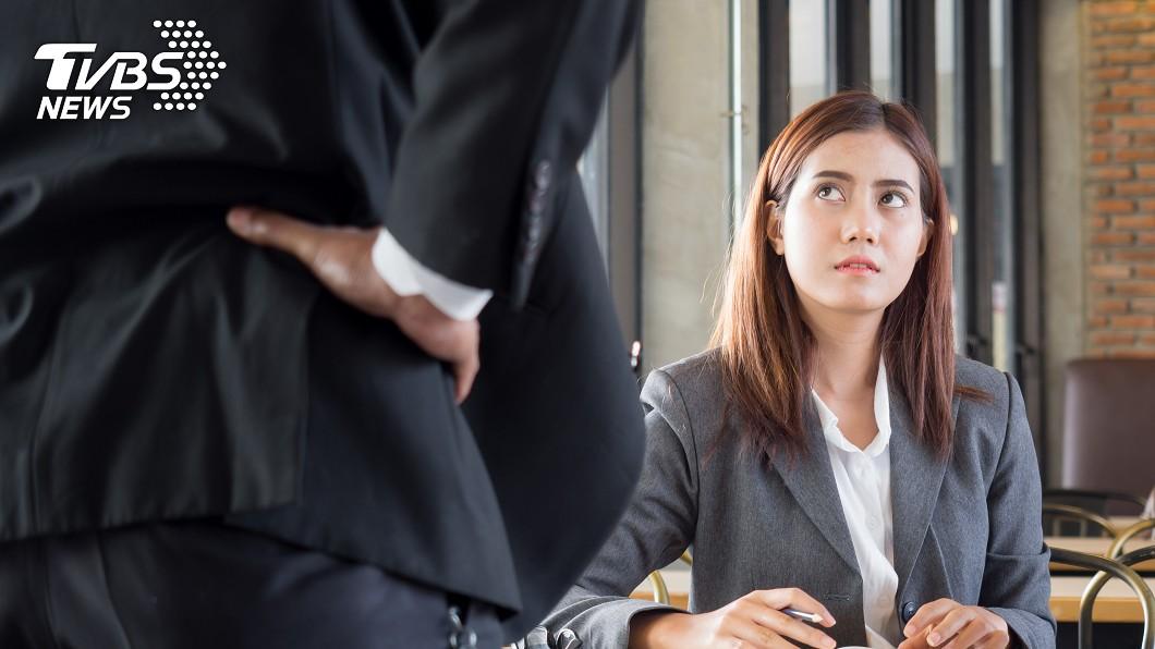 示意圖/TVBS 不幹了卻沒膽說?日推「代客辭職」連交接都不用進公司