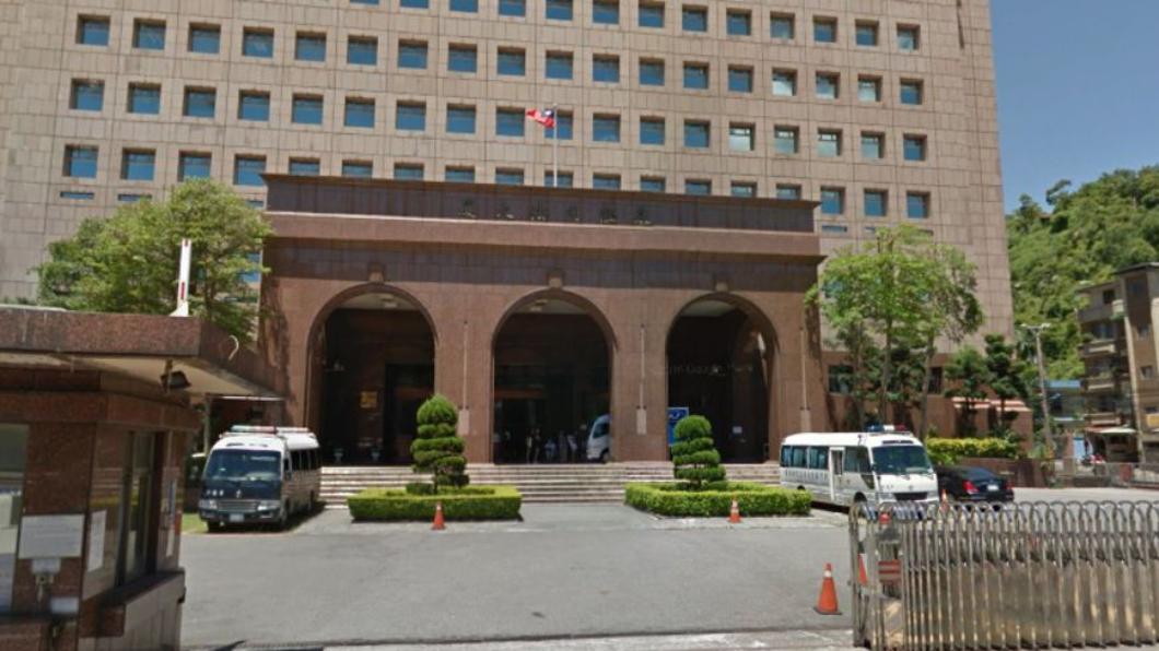 基隆地方法院。圖/翻攝自Google Map 三寶女友無照撞人 他護花頂罪慘遭判刑