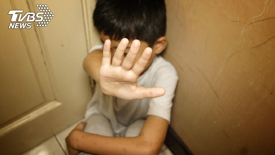 示意圖,非當事人。圖/TVBS 國中生遭老師狂呼10巴掌到「滿嘴血」 校方竟要他道歉