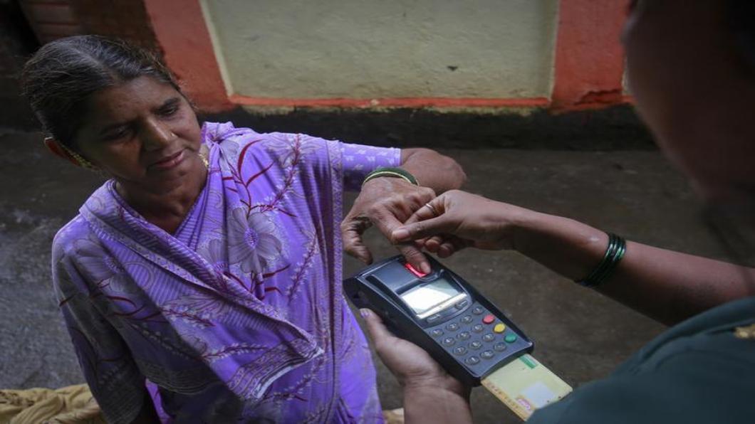 圖/達志影像路透 100座「智慧城」的印度 市集也用行動支付!