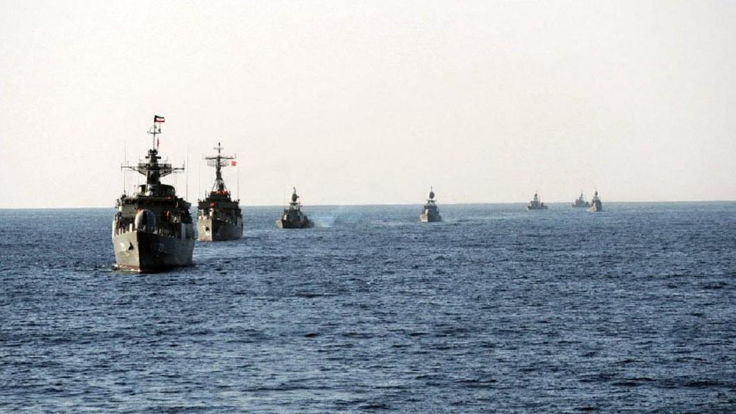 圖/翻攝自חדשות עבאן推特 伊朗荷莫茲海峽軍演 美軍司令:對華府釋出訊息