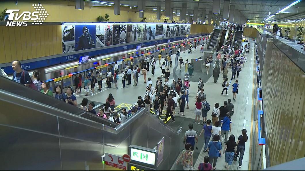 示意圖,與本事件人物無關。圖/TVBS資料畫面 他怨國外地鐵「臭+擠」、動線又亂  網讚:北捷水準高