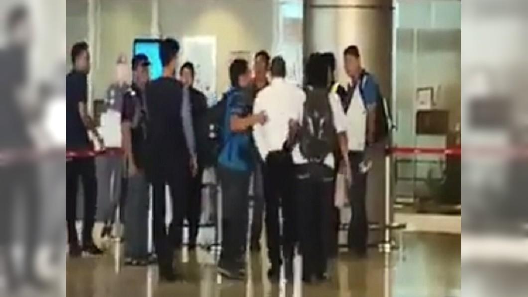 圖/翻攝自中國報 最危險也最安全? 通緝犯考上警察還受訓6週